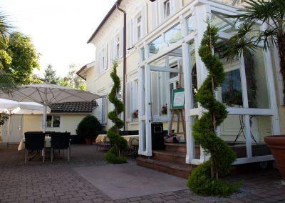 Sasbach-Buergerstube-Garten02.jpg